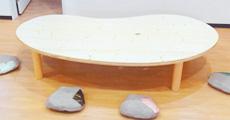 楕円のテーブル兼座卓