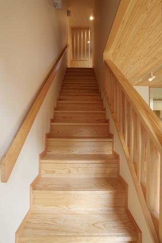 赤松無垢板の階段です。