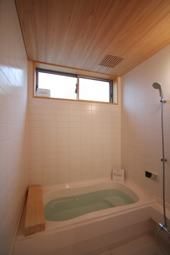 中庭のある家-13.洗面、トイレ、浴室