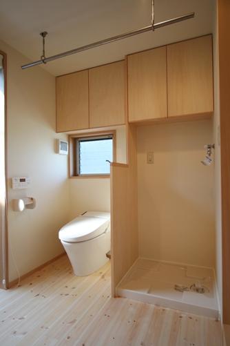 17.台形の家トイレ