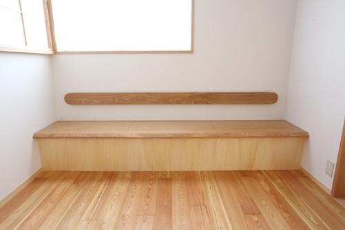 一枚板でつくったベンチ