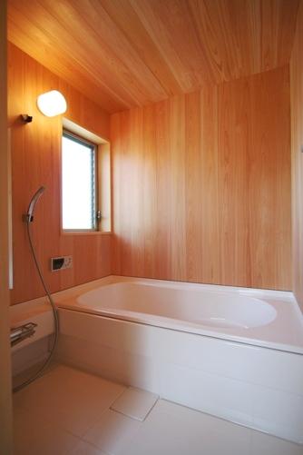 18.台形の家浴室