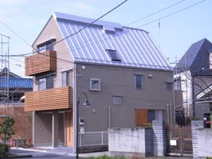 2.台形の家外観