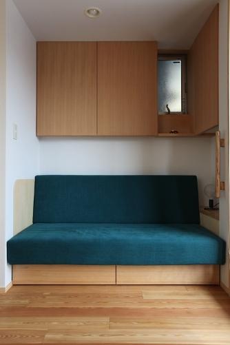 造り付けのソファーコーナー
