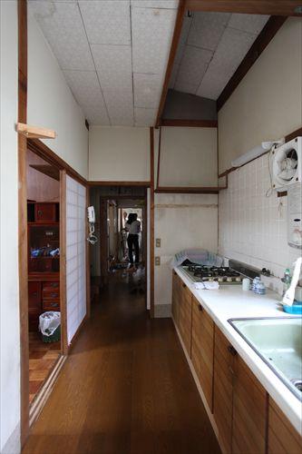 施工前階段室〜廊下