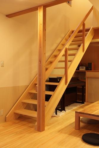 2階階段ホール、吹抜け