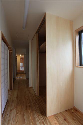 施工後階段室〜廊下