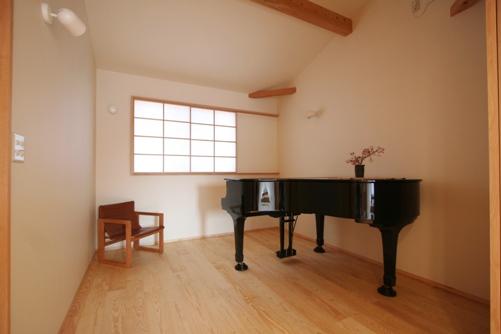 ピアノ室、リビング