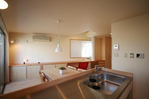 9.台形の家キッチン
